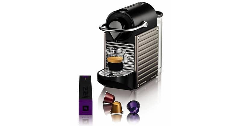 Compacto y retroiluminado, el compacto Nespresso Pixie